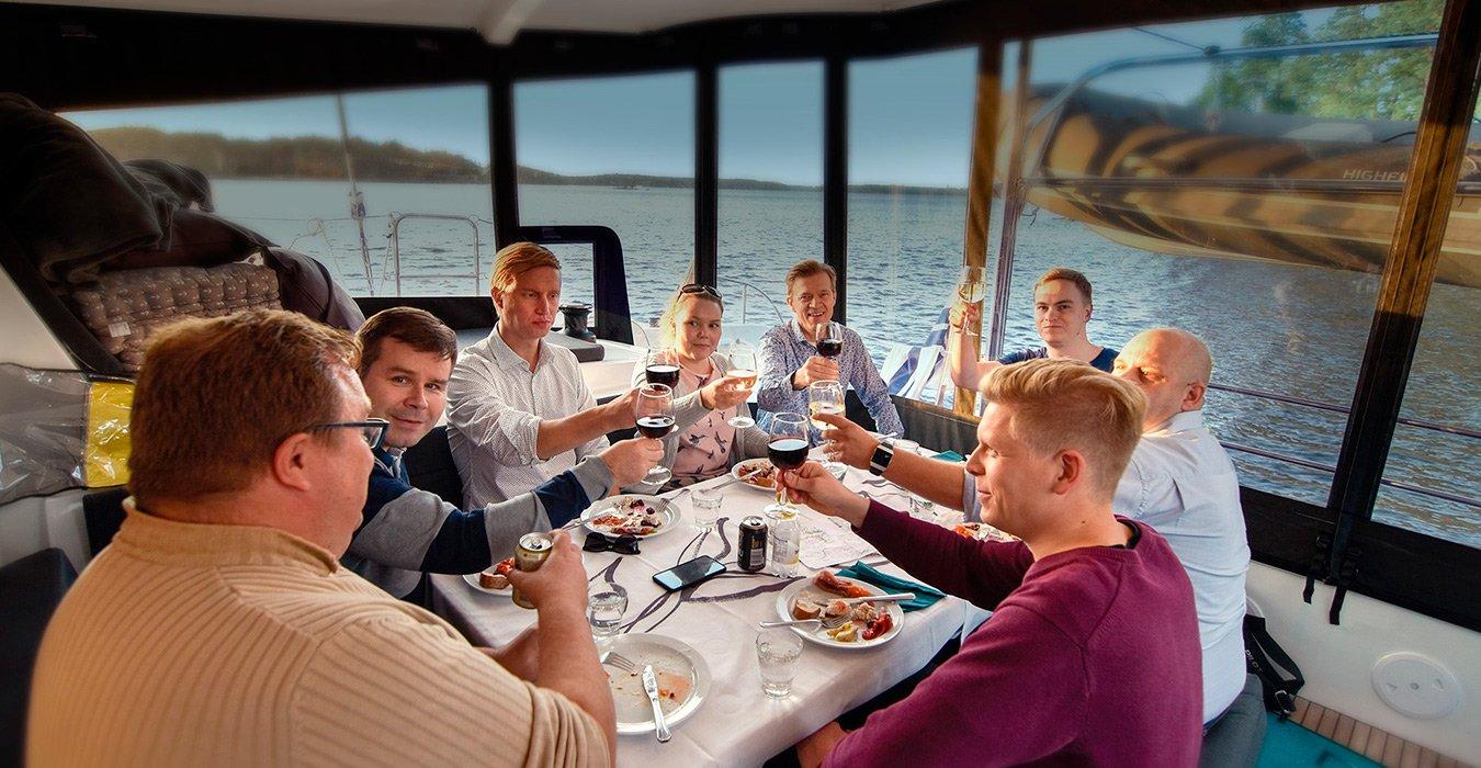 Lagoon Charter Helsinki by night edustusristeily kesä 2020
