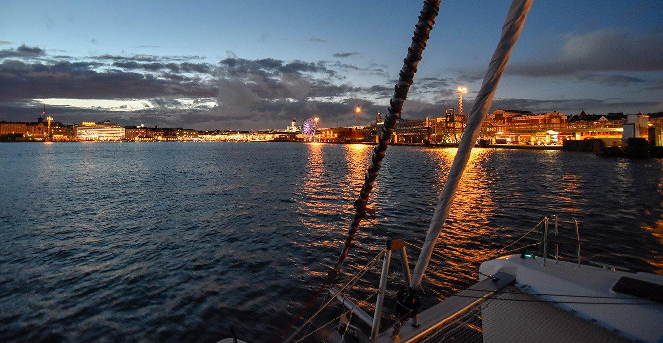 Helsinki by night risteilypaketti