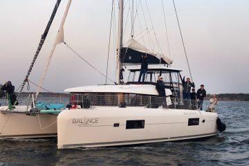 Lagoon 42 Balance 3 charter katamaraani